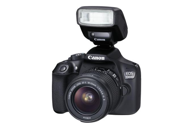 Canon EOS 1300D with flash