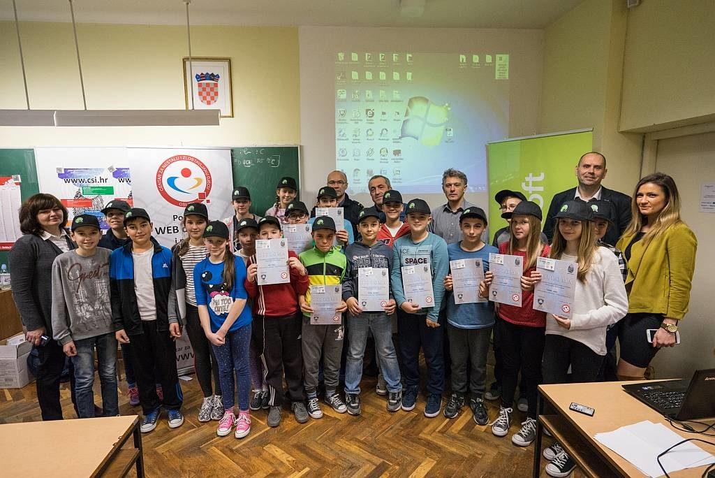 web-detektivi-nasice_zajednicka-s-diplomama